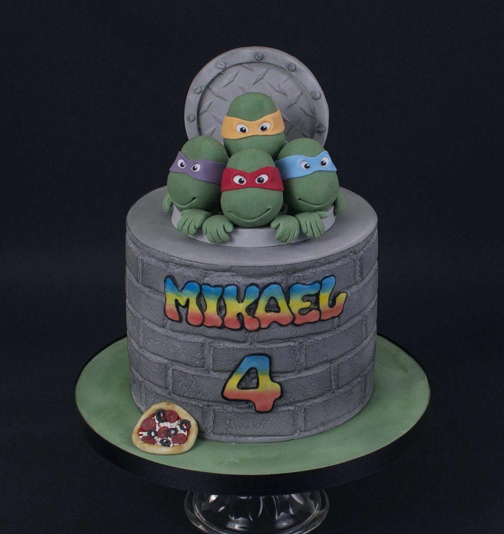 Fantasiakakku syntymäpäiville Teenage Ninja Turtles teemalla.